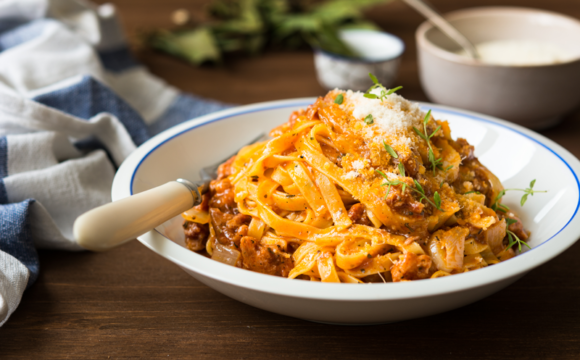 COMPASS_Pasta with beef and tomato sauce